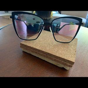 Black Diff sunglasses
